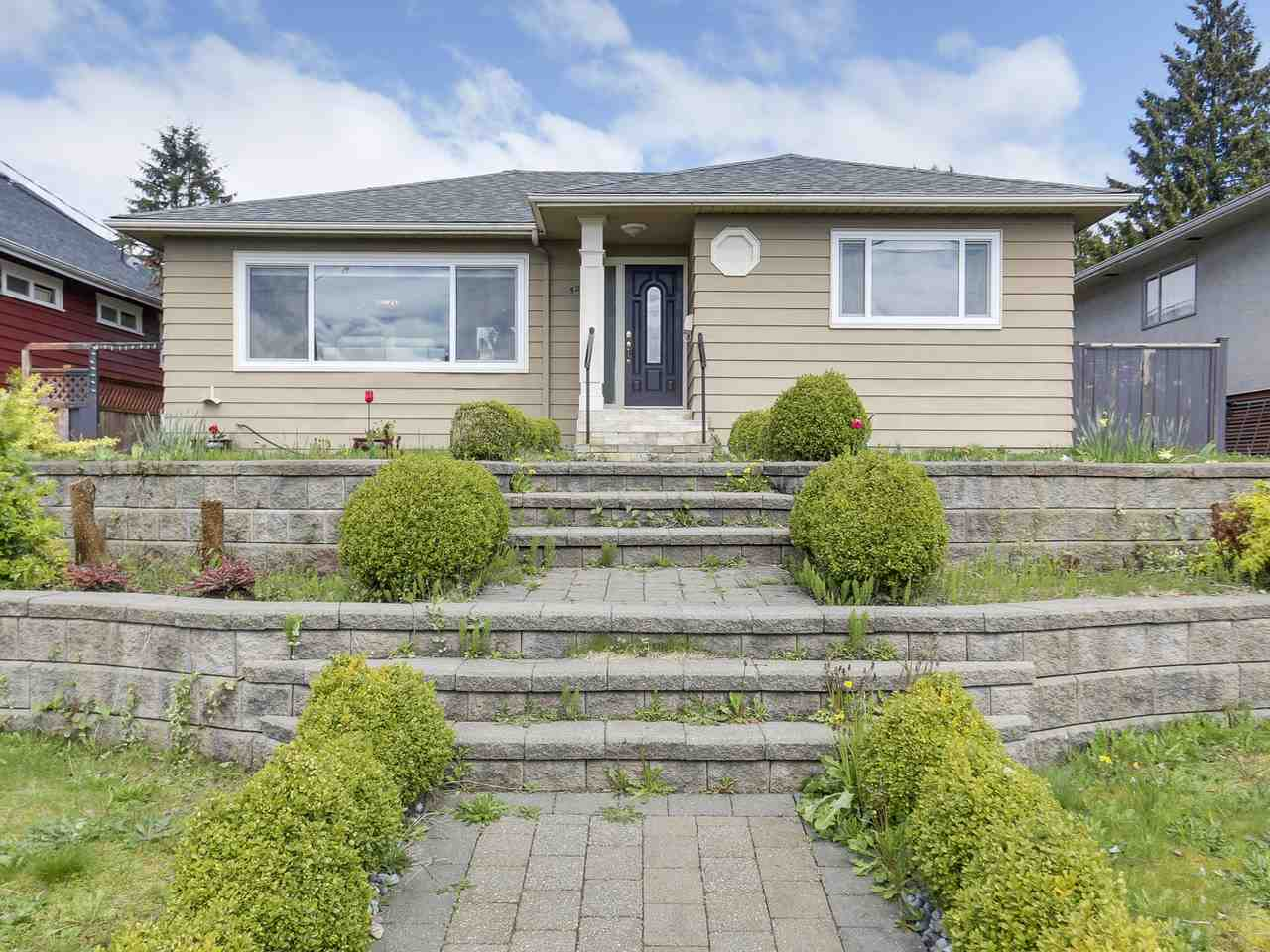 Detached at 522 E 7TH STREET, North Vancouver, British Columbia. Image 1