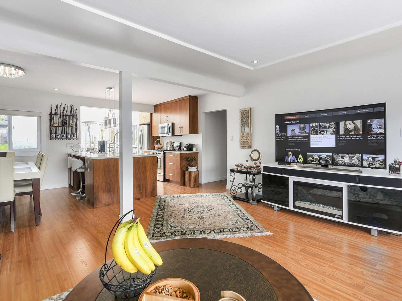 Detached at 522 E 7TH STREET, North Vancouver, British Columbia. Image 3