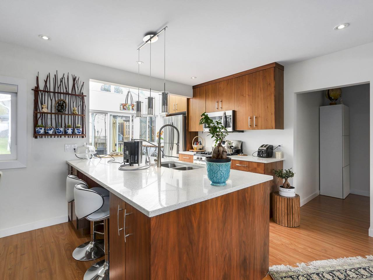 Detached at 522 E 7TH STREET, North Vancouver, British Columbia. Image 6