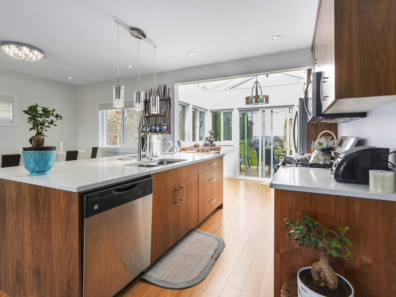 Detached at 522 E 7TH STREET, North Vancouver, British Columbia. Image 7