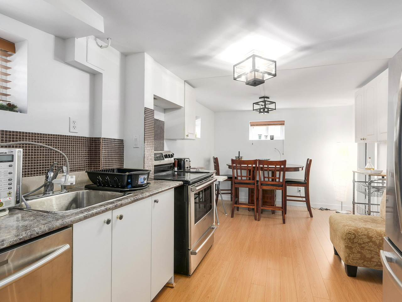 Detached at 522 E 7TH STREET, North Vancouver, British Columbia. Image 13