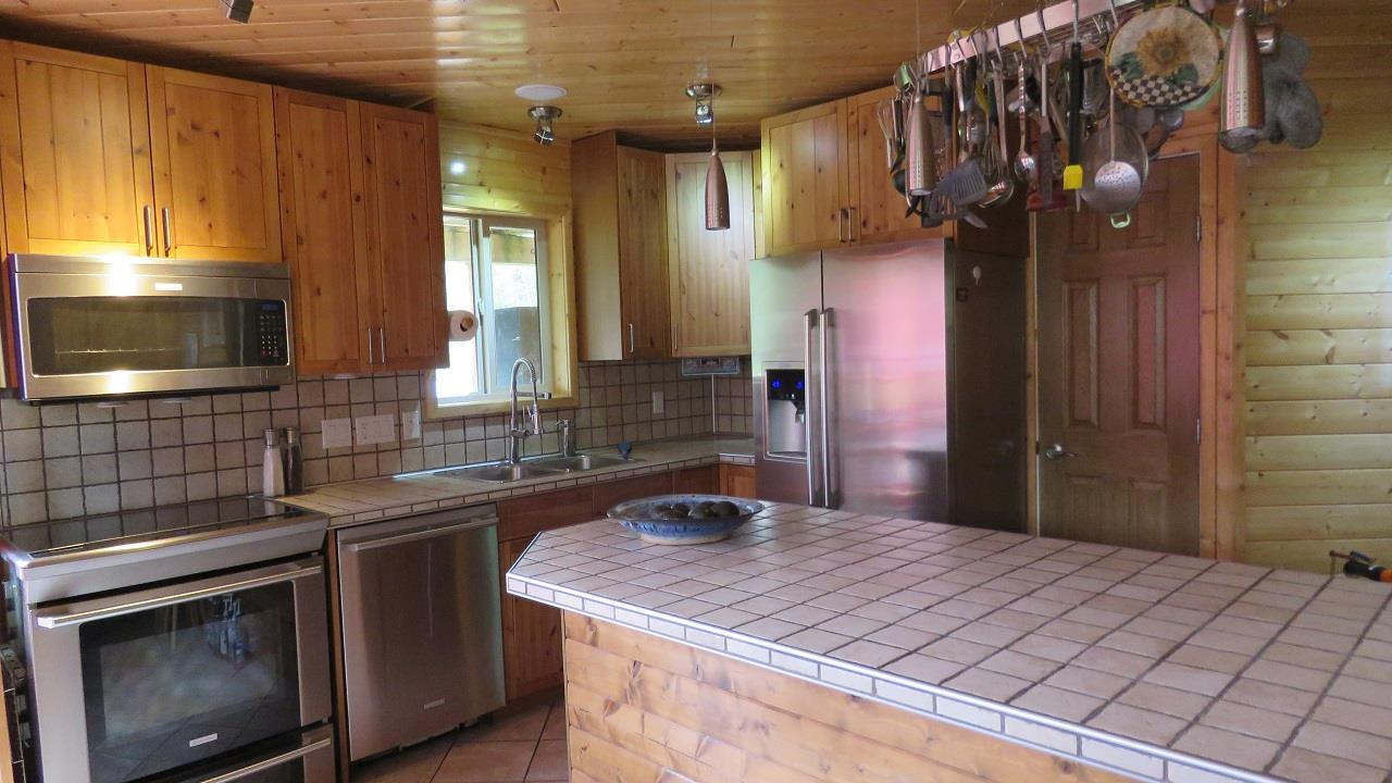 Detached at 6200 TYAUGHTON LAKE ROAD, Out of Town, British Columbia. Image 4