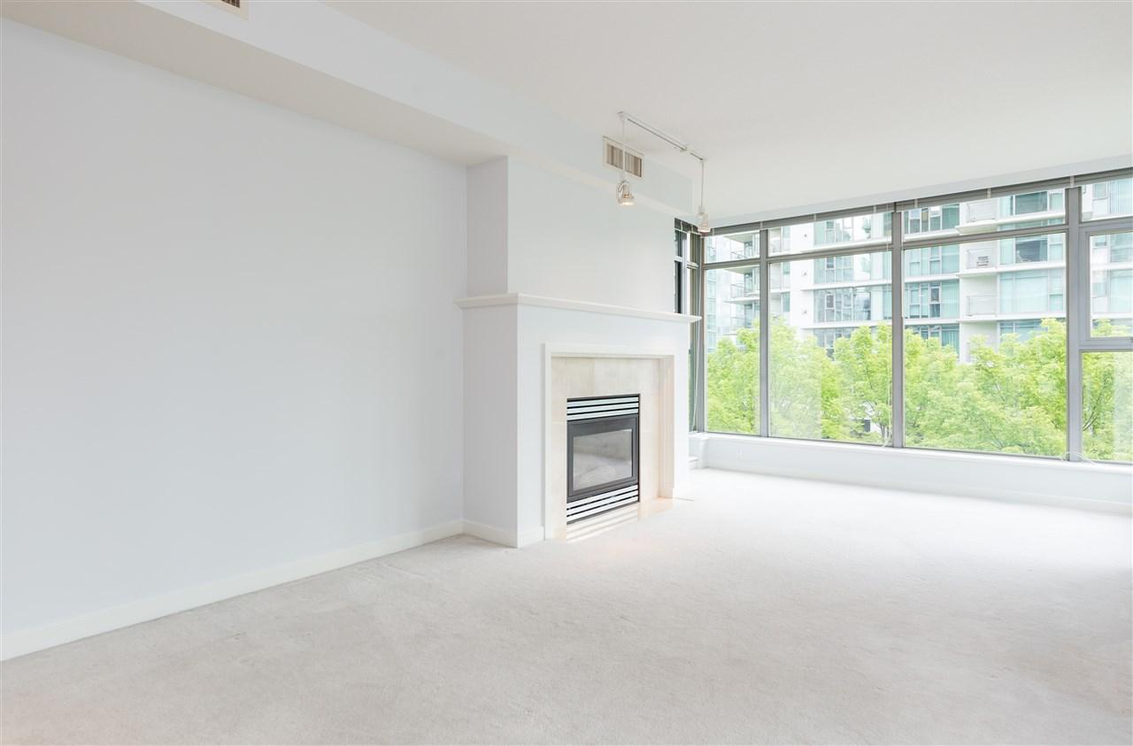 Condo Apartment at 304 1710 BAYSHORE DRIVE, Unit 304, Vancouver West, British Columbia. Image 2