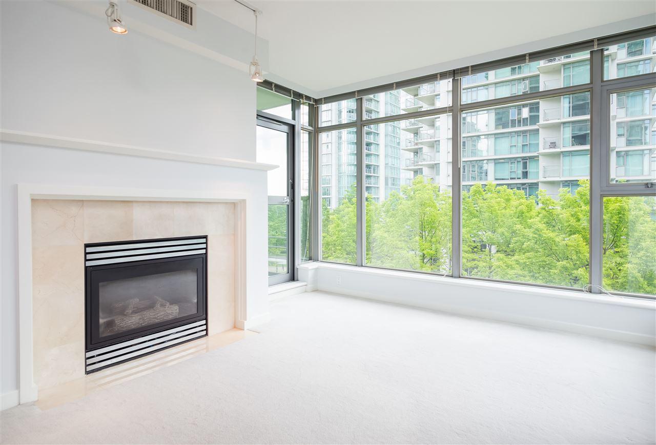 Condo Apartment at 304 1710 BAYSHORE DRIVE, Unit 304, Vancouver West, British Columbia. Image 3