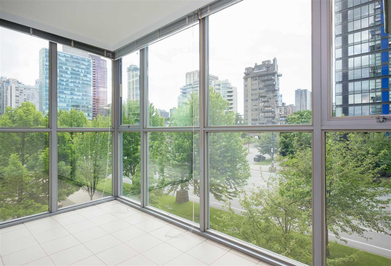 Condo Apartment at 304 1710 BAYSHORE DRIVE, Unit 304, Vancouver West, British Columbia. Image 5