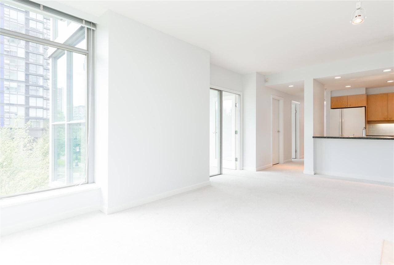 Condo Apartment at 304 1710 BAYSHORE DRIVE, Unit 304, Vancouver West, British Columbia. Image 10