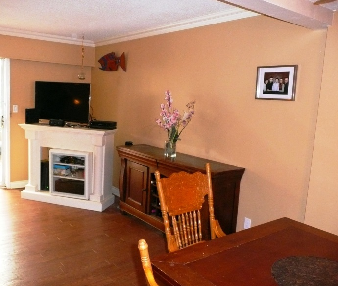 Townhouse at 19 11735 89A AVENUE, Unit 19, N. Delta, British Columbia. Image 4