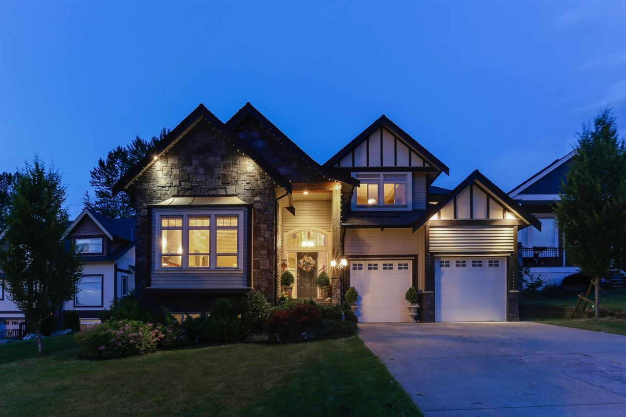 Detached at 35311 MCKINLEY DRIVE, Abbotsford, British Columbia. Image 1