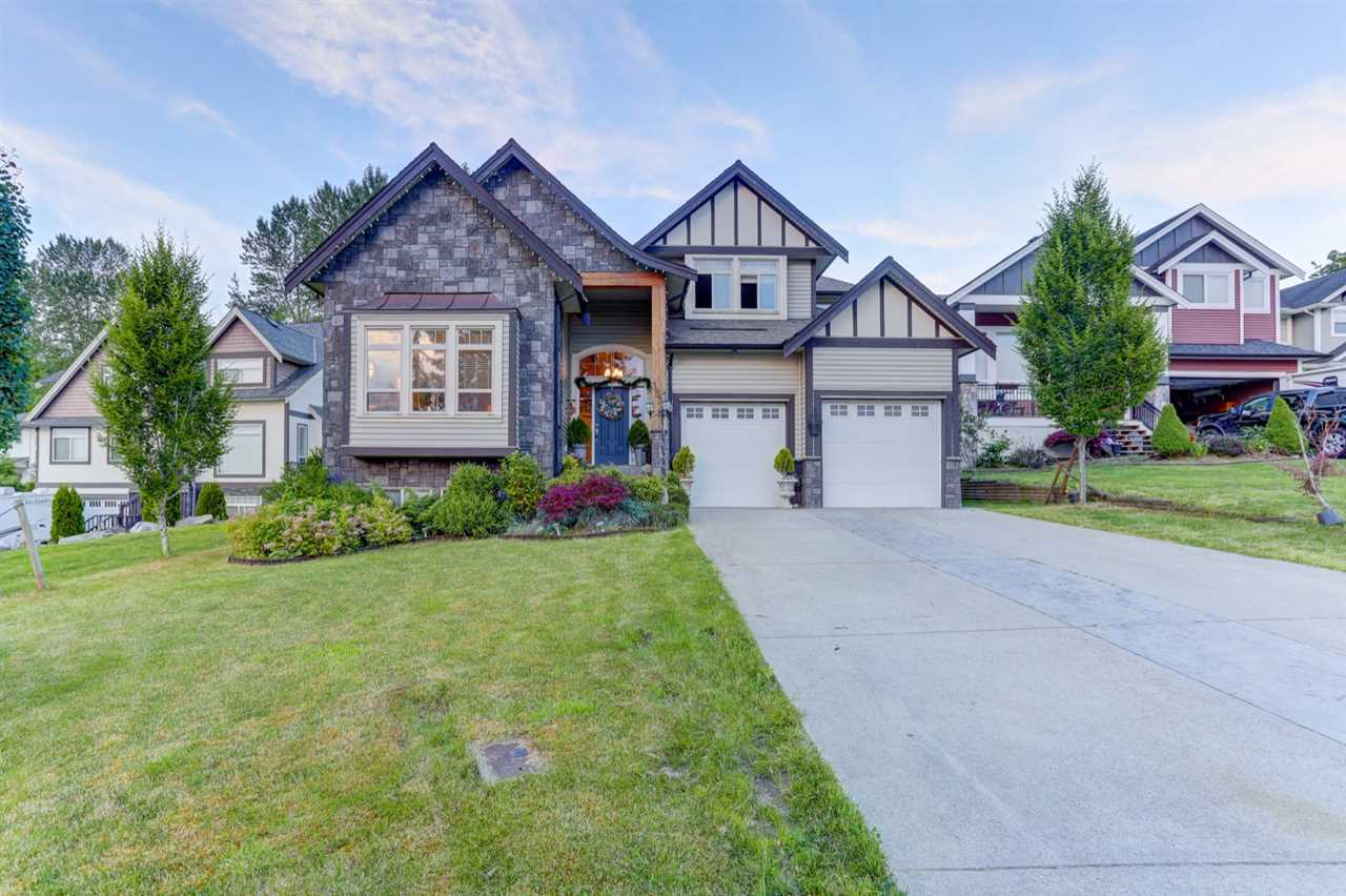 Detached at 35311 MCKINLEY DRIVE, Abbotsford, British Columbia. Image 2