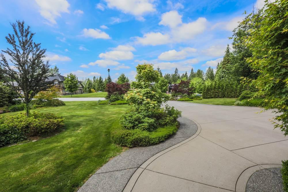 Detached at 12570 264 STREET, Maple Ridge, British Columbia. Image 2