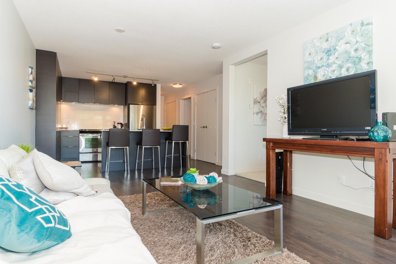 Condo Apartment at 308 1677 LLOYD AVENUE, Unit 308, North Vancouver, British Columbia. Image 4