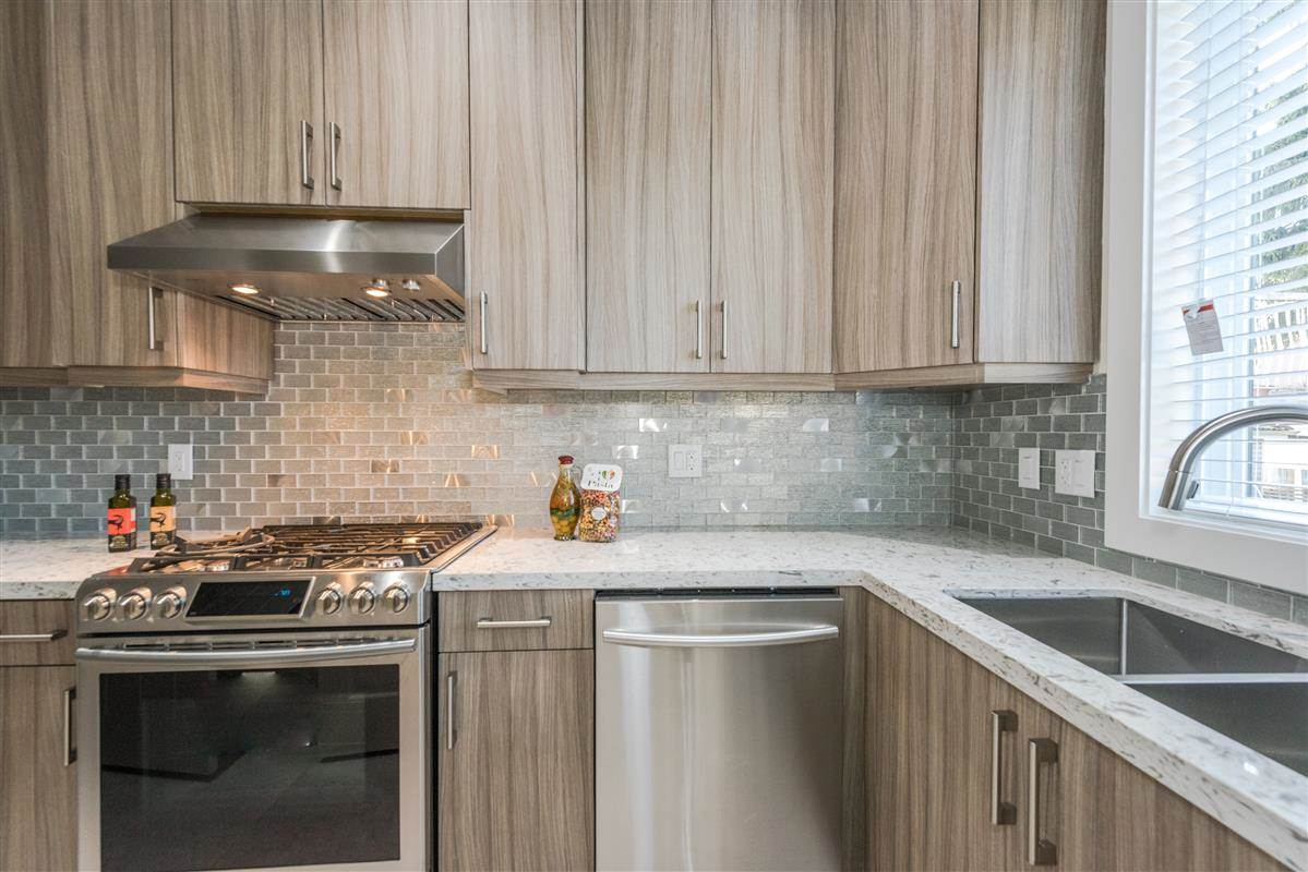 Detached at 7838 16TH AVENUE, Burnaby East, British Columbia. Image 6