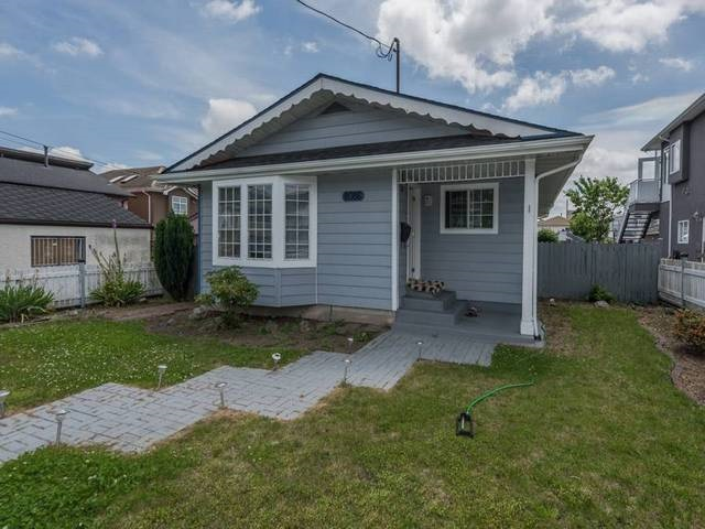 Detached at 8086 16TH AVENUE, Burnaby East, British Columbia. Image 1