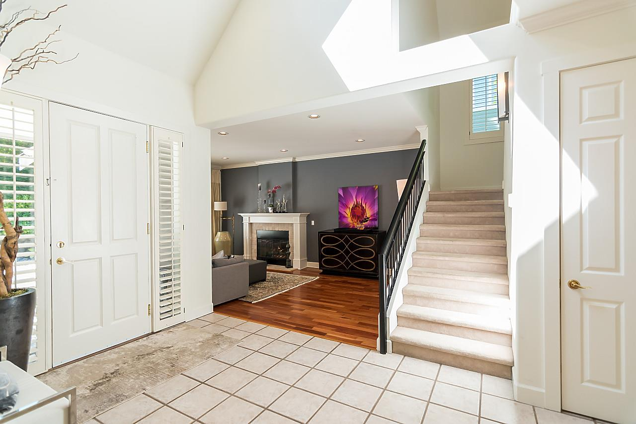 Detached at 2901 TOWER HILL CRESCENT, West Vancouver, British Columbia. Image 2