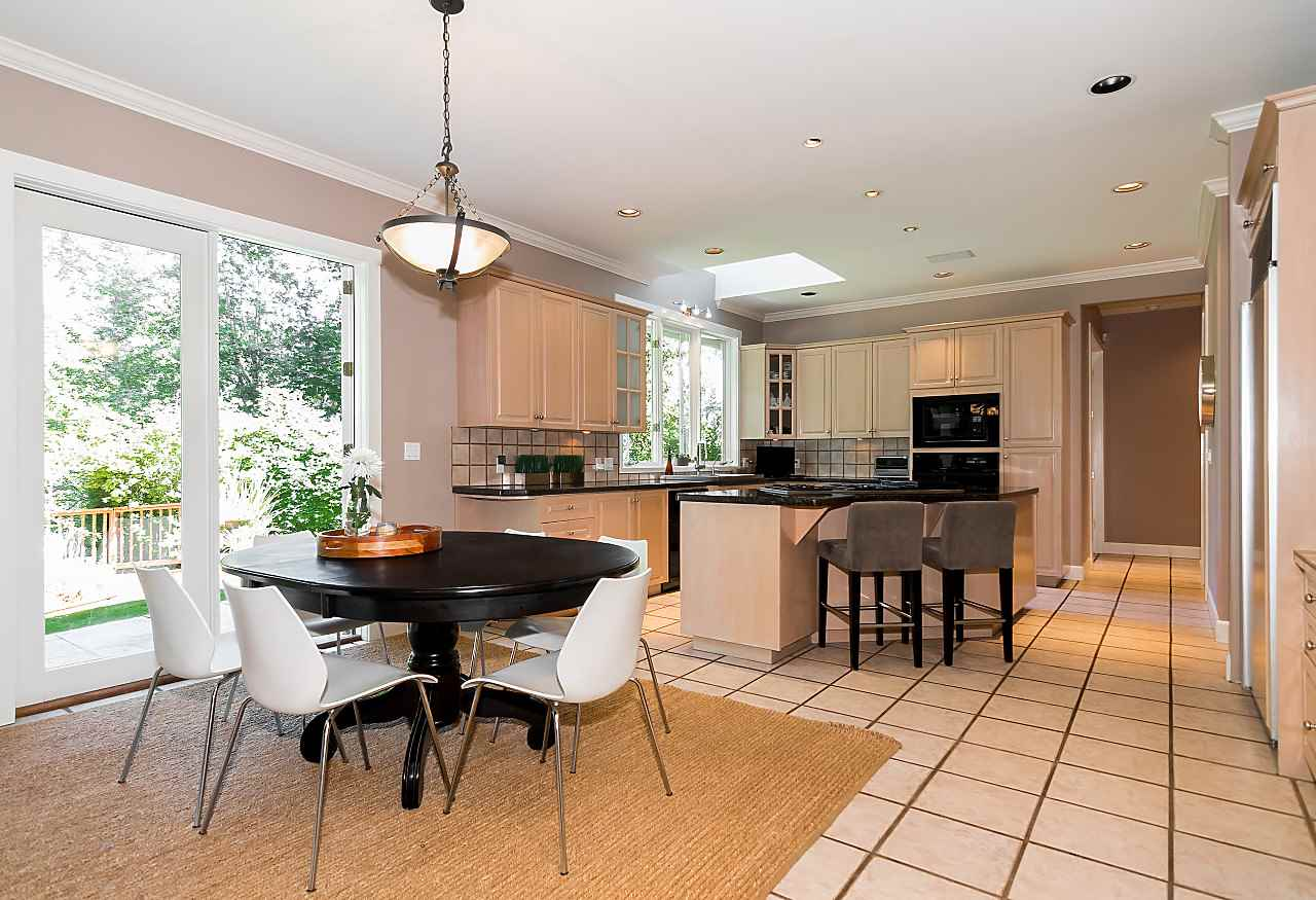 Detached at 2901 TOWER HILL CRESCENT, West Vancouver, British Columbia. Image 8