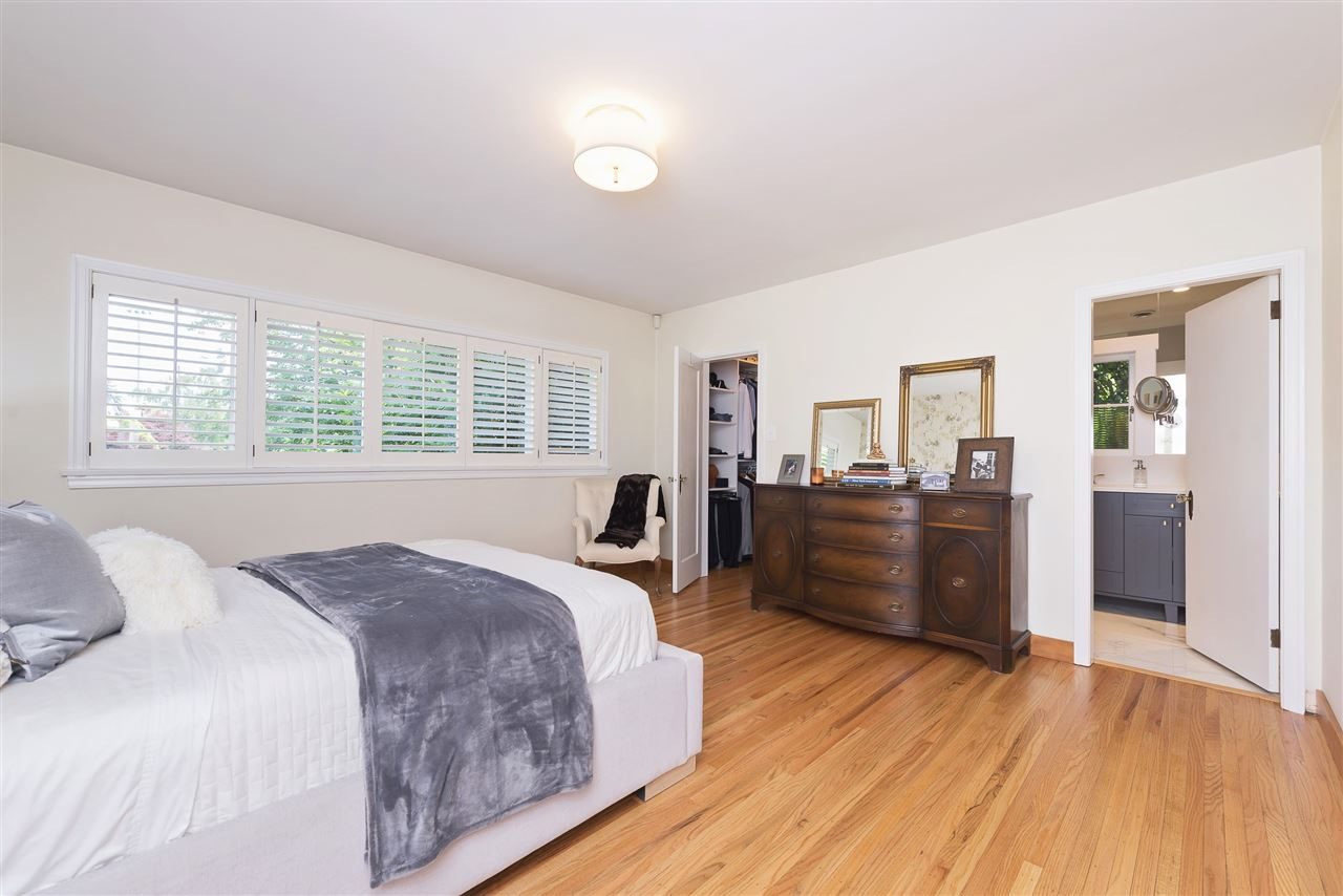 Detached at 110 COLLEGE COURT, New Westminster, British Columbia. Image 12