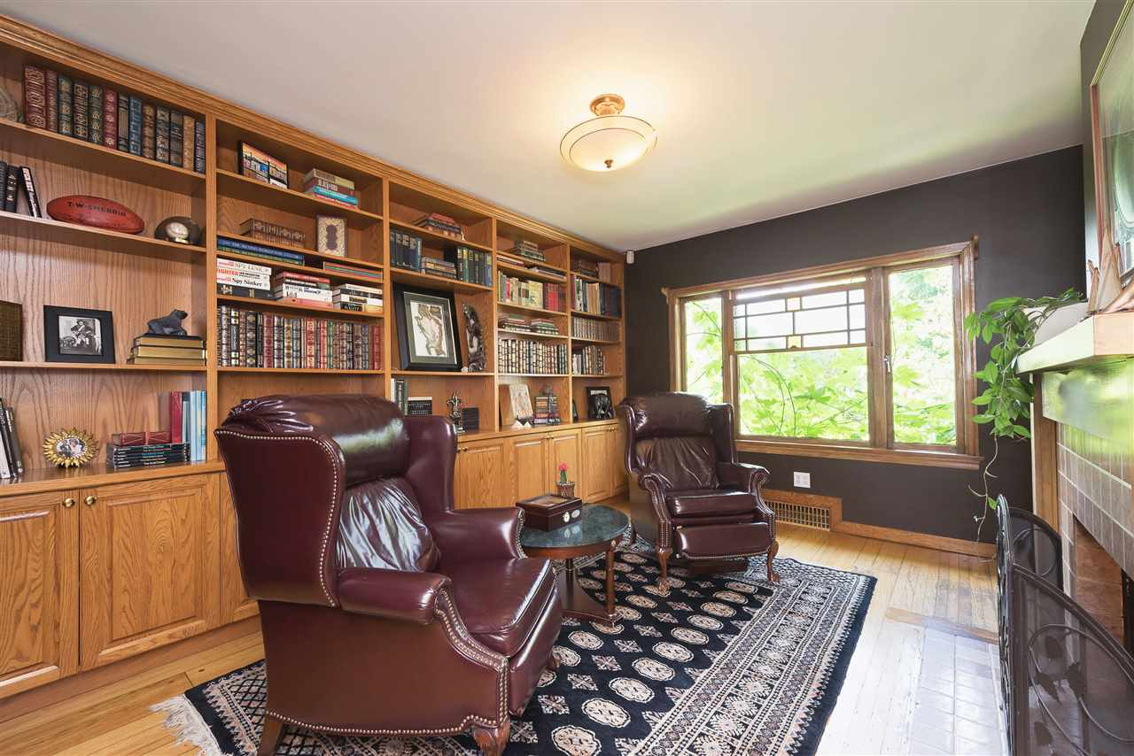 Detached at 110 COLLEGE COURT, New Westminster, British Columbia. Image 17