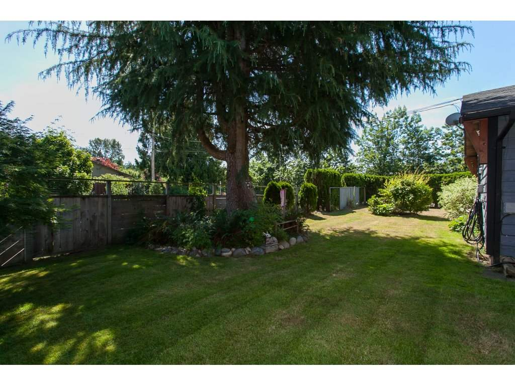 Detached at 20289 36 AVENUE, Langley, British Columbia. Image 3