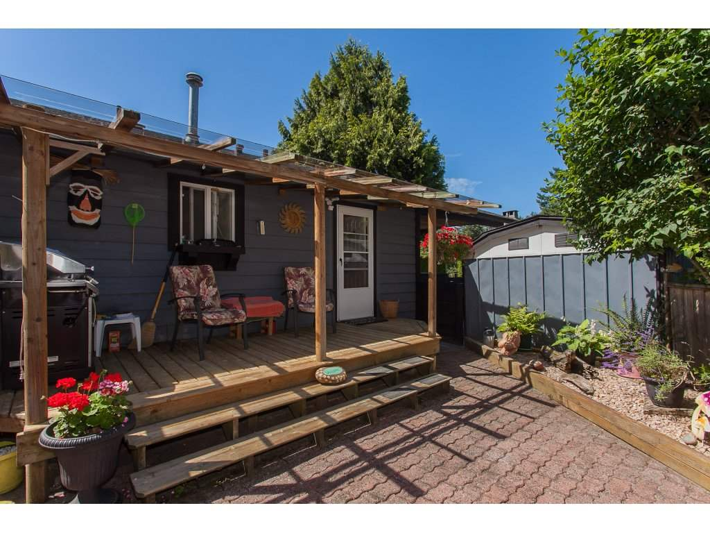 Detached at 20289 36 AVENUE, Langley, British Columbia. Image 5
