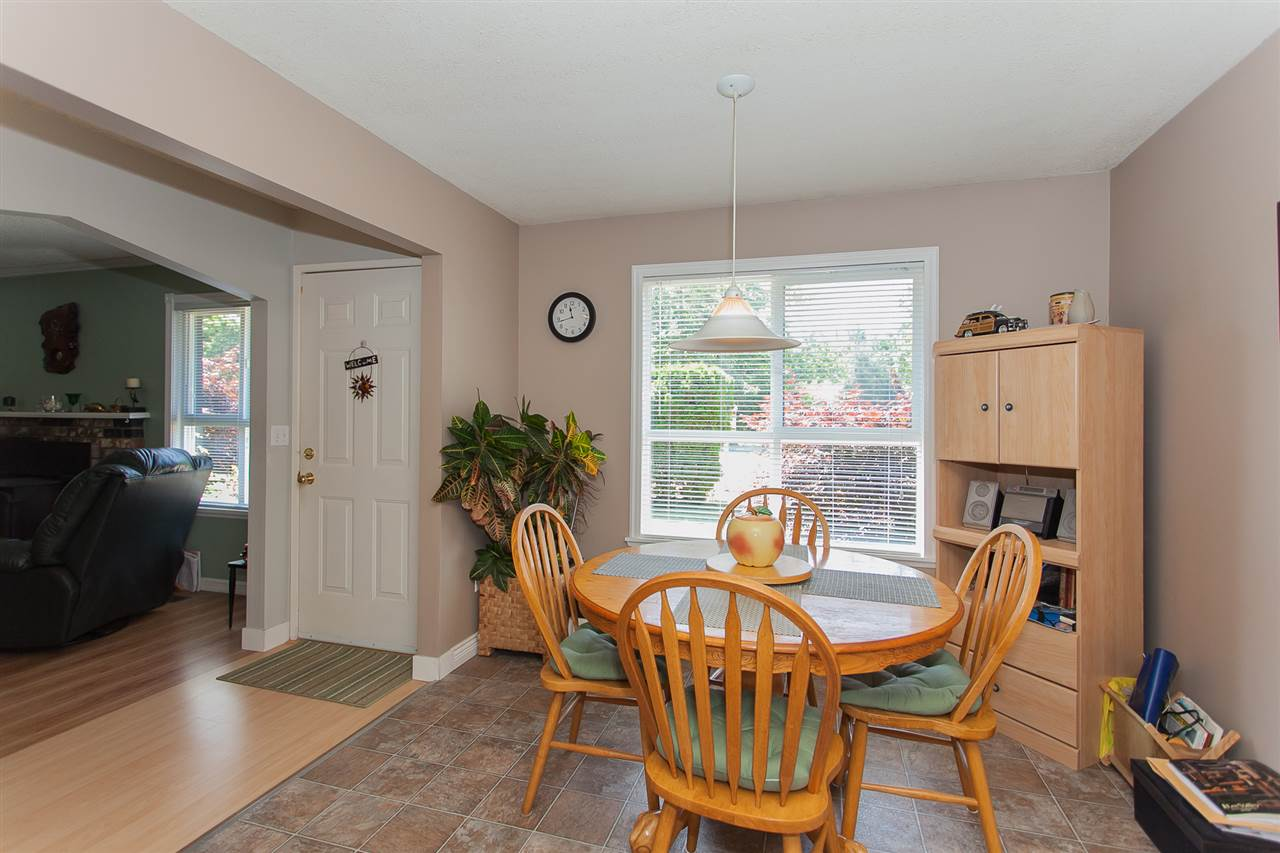 Detached at 20289 36 AVENUE, Langley, British Columbia. Image 11