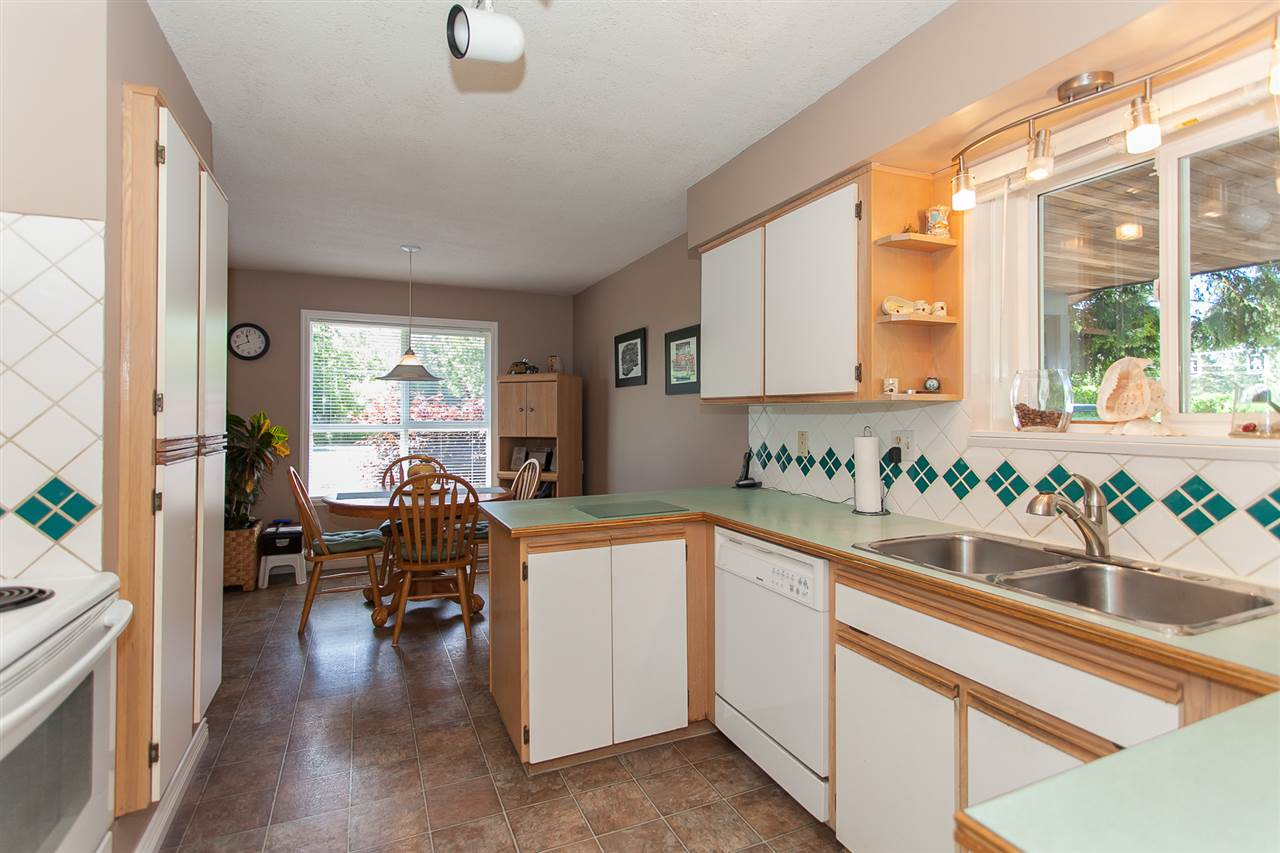Detached at 20289 36 AVENUE, Langley, British Columbia. Image 13