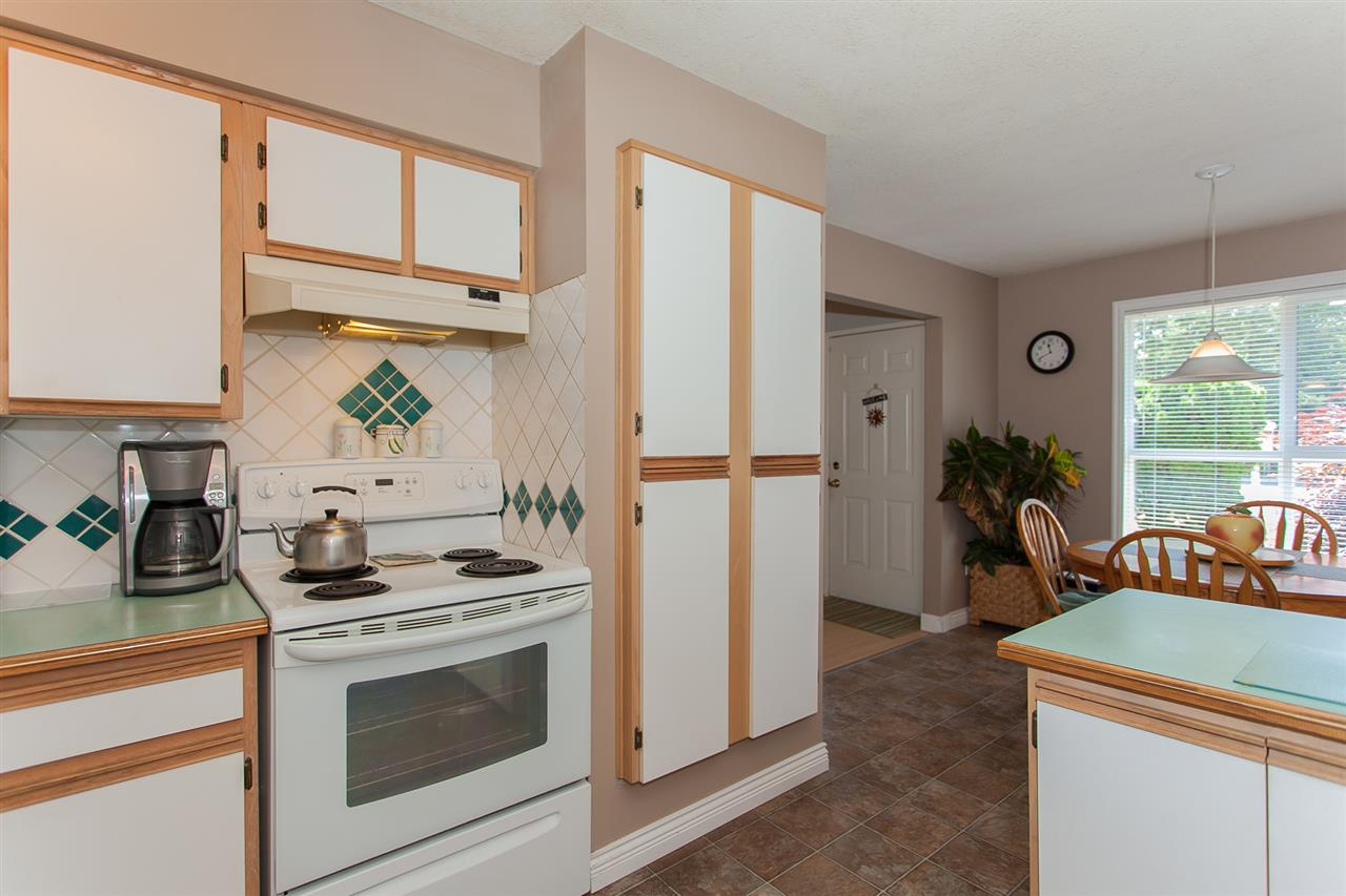 Detached at 20289 36 AVENUE, Langley, British Columbia. Image 14