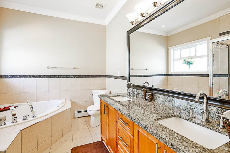 Detached at 17281 64A AVENUE, Cloverdale, British Columbia. Image 11