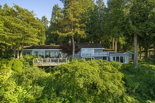 Detached at 12711 BECKETT ROAD, South Surrey White Rock, British Columbia. Image 1