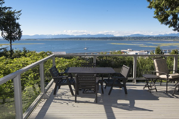Detached at 12711 BECKETT ROAD, South Surrey White Rock, British Columbia. Image 16