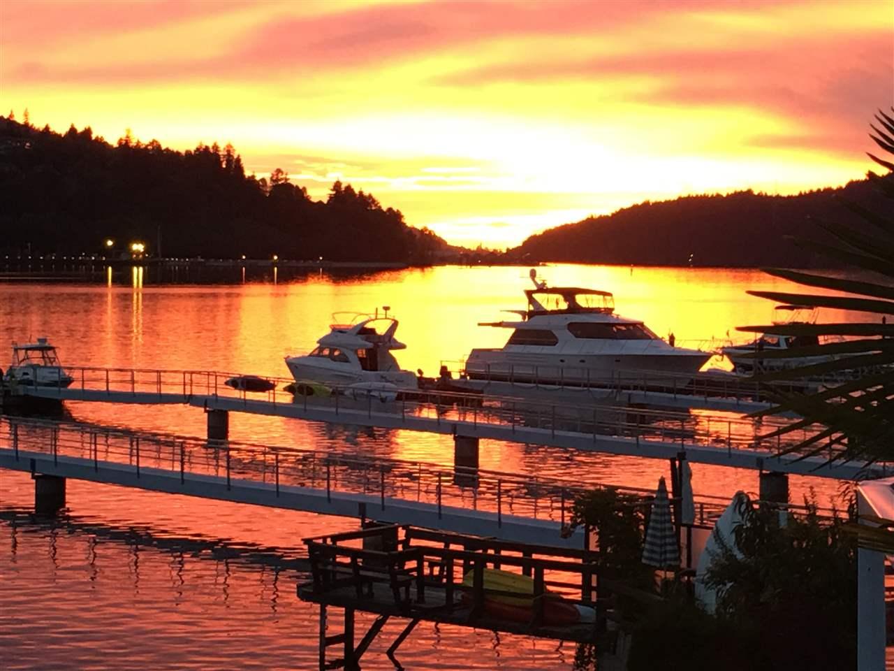 Detached at 808 ALDERSIDE ROAD, Port Moody, British Columbia. Image 1