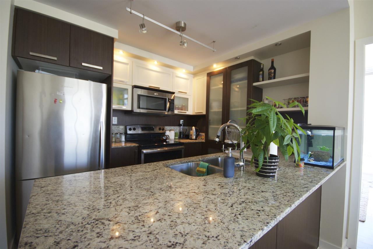 Condo Apartment at 2801 2980 ATLANTIC AVENUE, Unit 2801, Coquitlam, British Columbia. Image 3