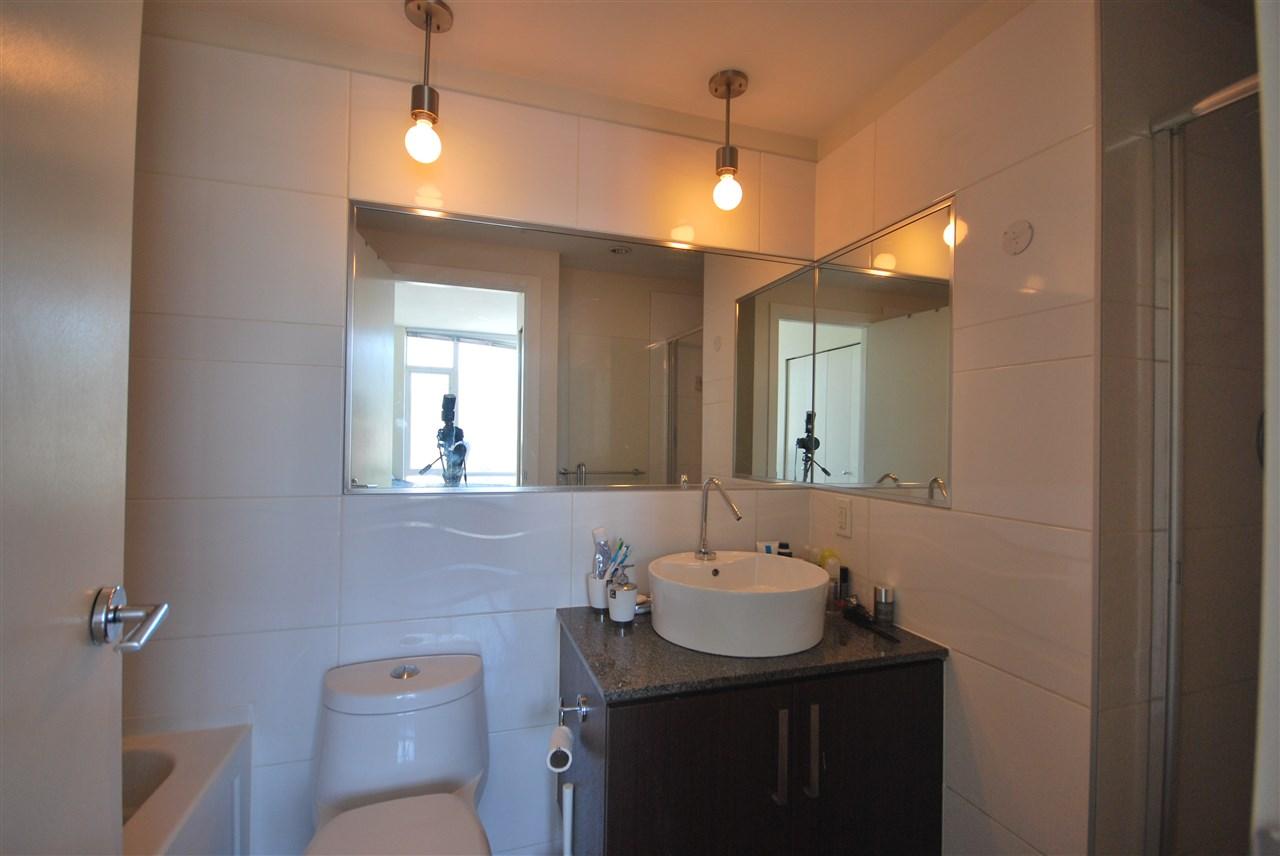 Condo Apartment at 2801 2980 ATLANTIC AVENUE, Unit 2801, Coquitlam, British Columbia. Image 12