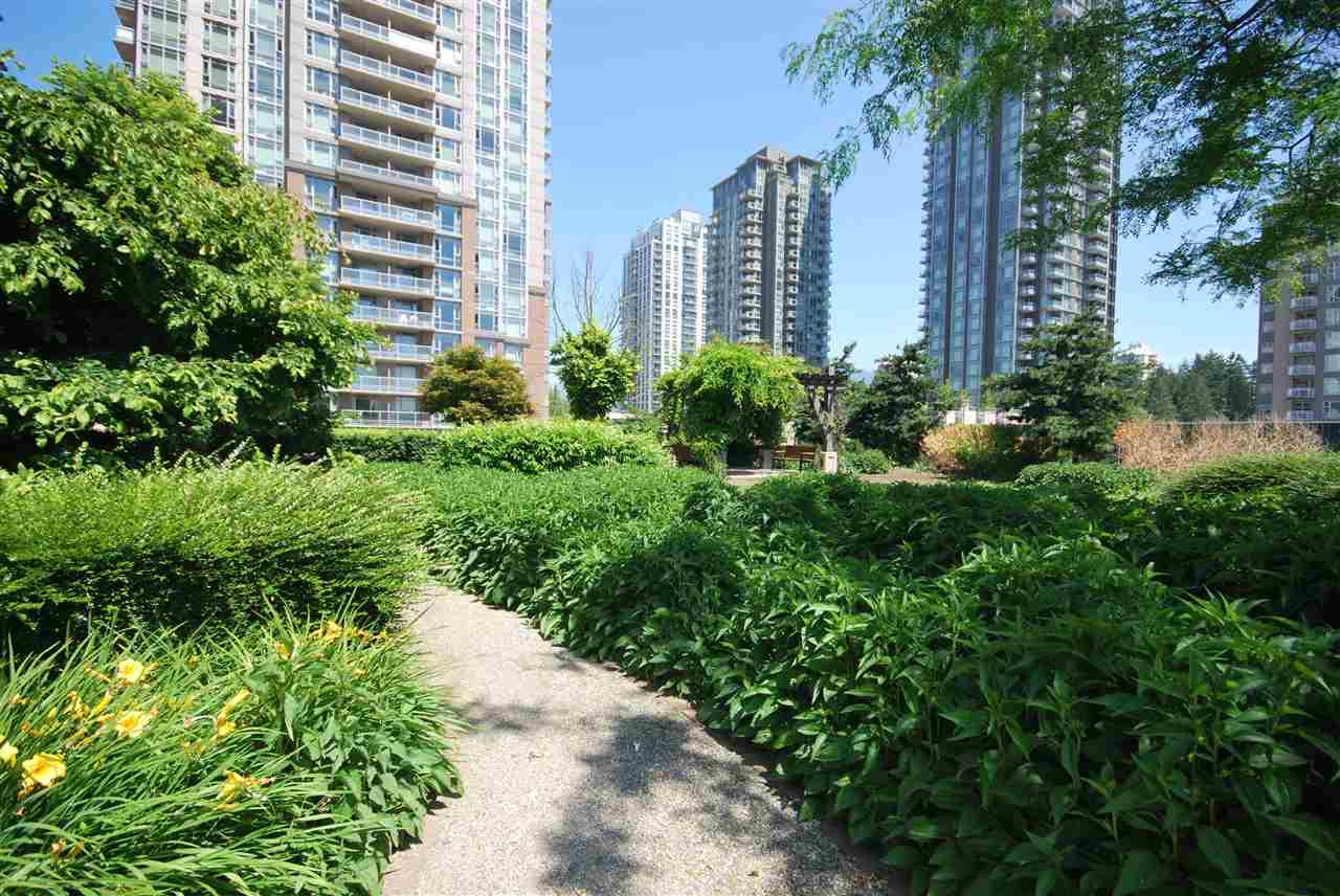 Condo Apartment at 2801 2980 ATLANTIC AVENUE, Unit 2801, Coquitlam, British Columbia. Image 16