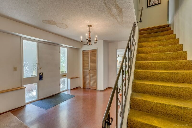 Detached at 5745 FOREST STREET, Burnaby South, British Columbia. Image 2