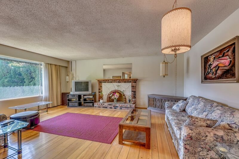 Detached at 5745 FOREST STREET, Burnaby South, British Columbia. Image 3