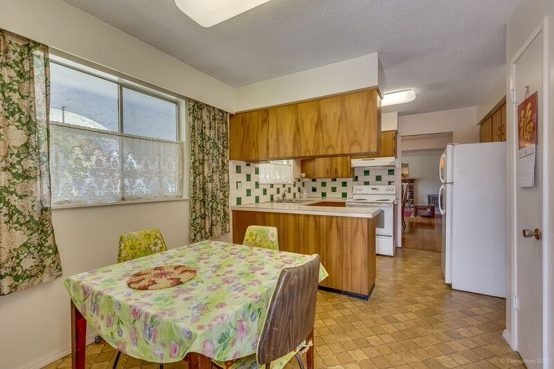 Detached at 5745 FOREST STREET, Burnaby South, British Columbia. Image 8