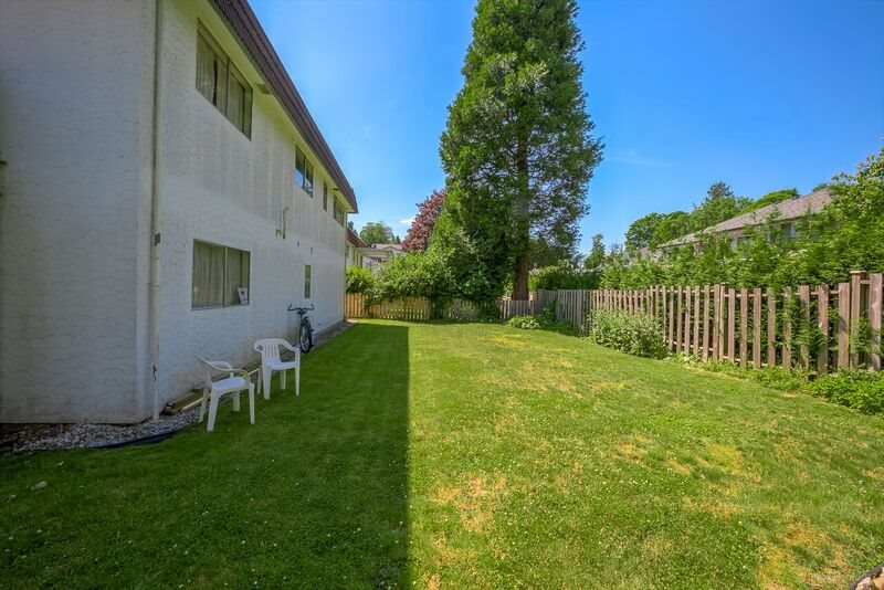 Detached at 5745 FOREST STREET, Burnaby South, British Columbia. Image 18