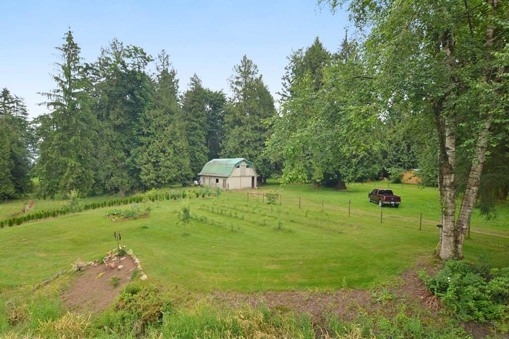 Detached at 6184 MT LEHMAN ROAD, Abbotsford, British Columbia. Image 17