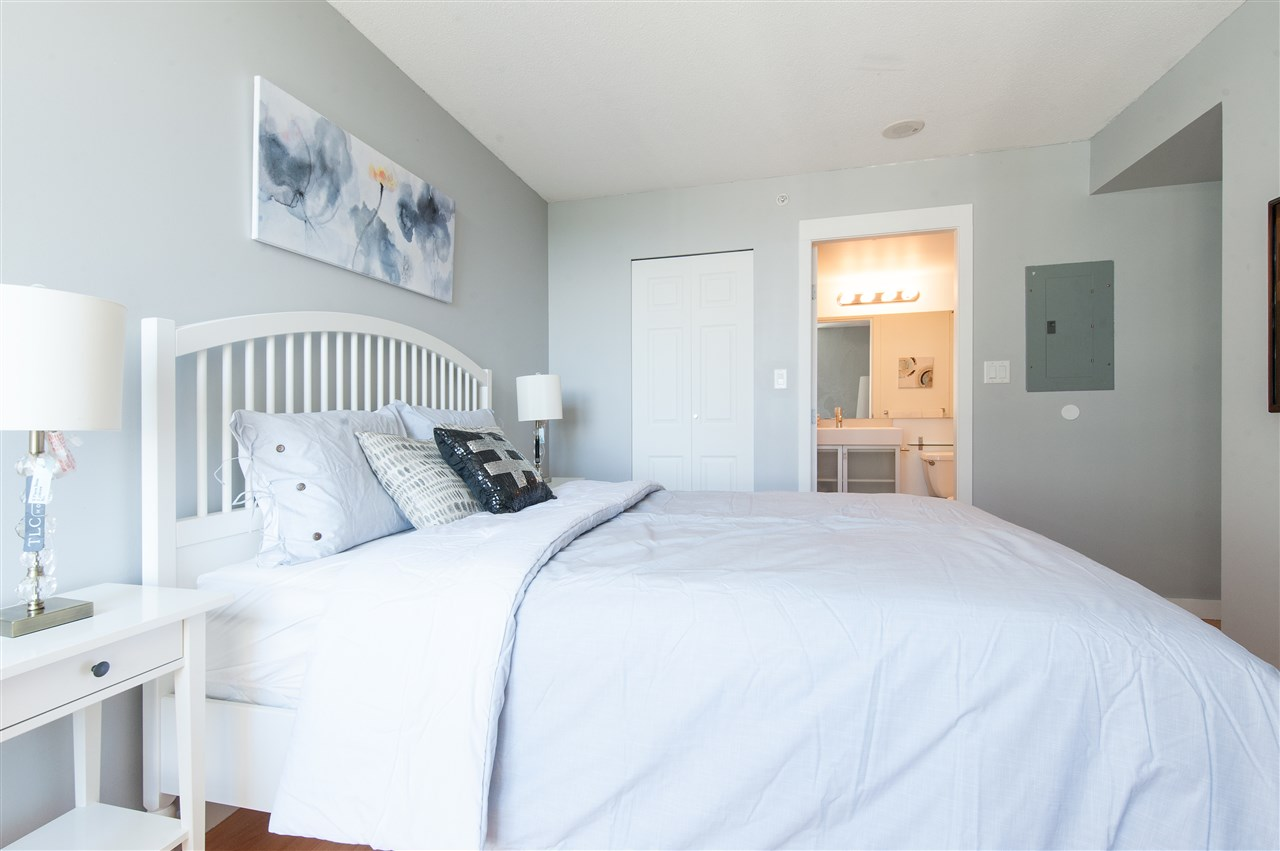 Condo Apartment at 1112 9171 FERNDALE ROAD, Unit 1112, Richmond, British Columbia. Image 4