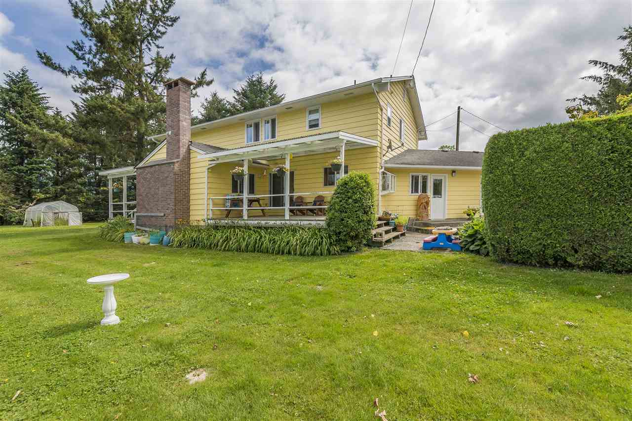 Detached at 10635 REEVES ROAD, Chilliwack, British Columbia. Image 2