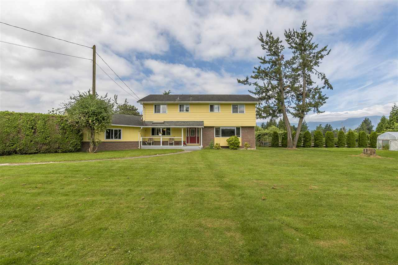 Detached at 10635 REEVES ROAD, Chilliwack, British Columbia. Image 4
