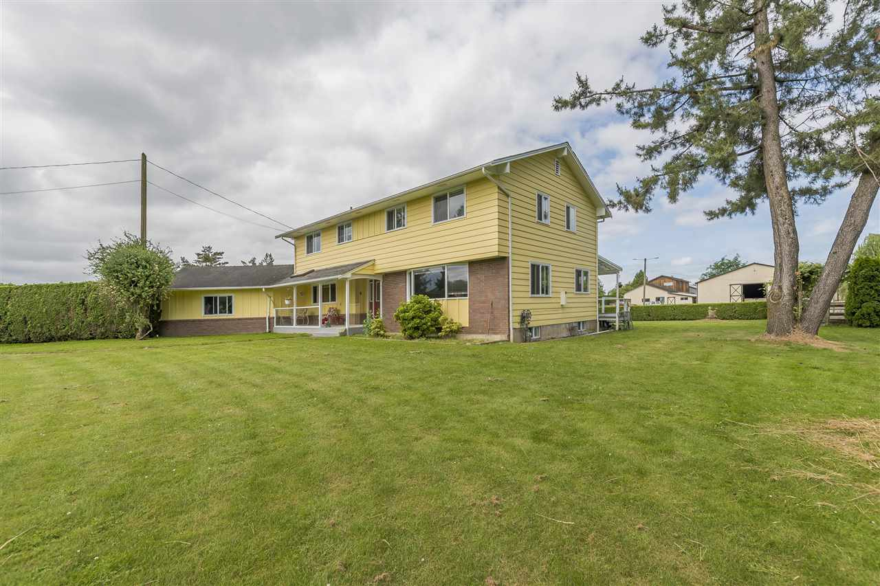 Detached at 10635 REEVES ROAD, Chilliwack, British Columbia. Image 5