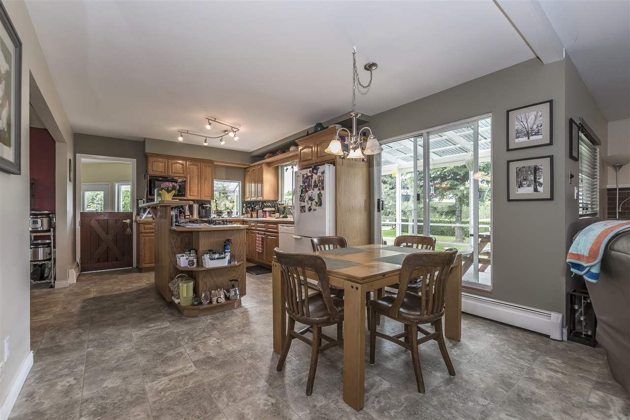 Detached at 10635 REEVES ROAD, Chilliwack, British Columbia. Image 7