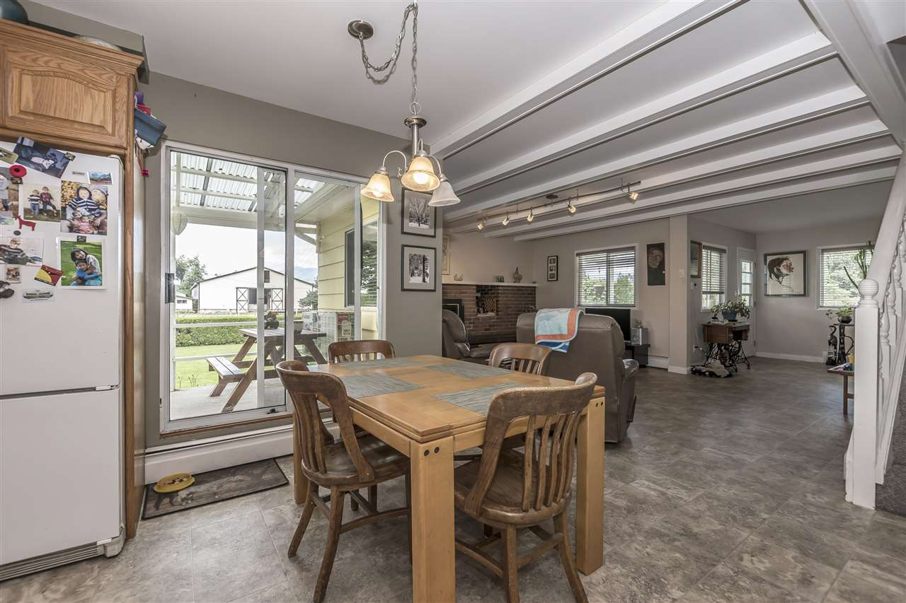 Detached at 10635 REEVES ROAD, Chilliwack, British Columbia. Image 9