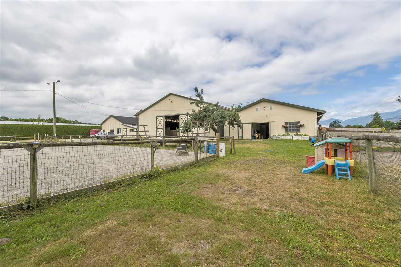 Detached at 10635 REEVES ROAD, Chilliwack, British Columbia. Image 17