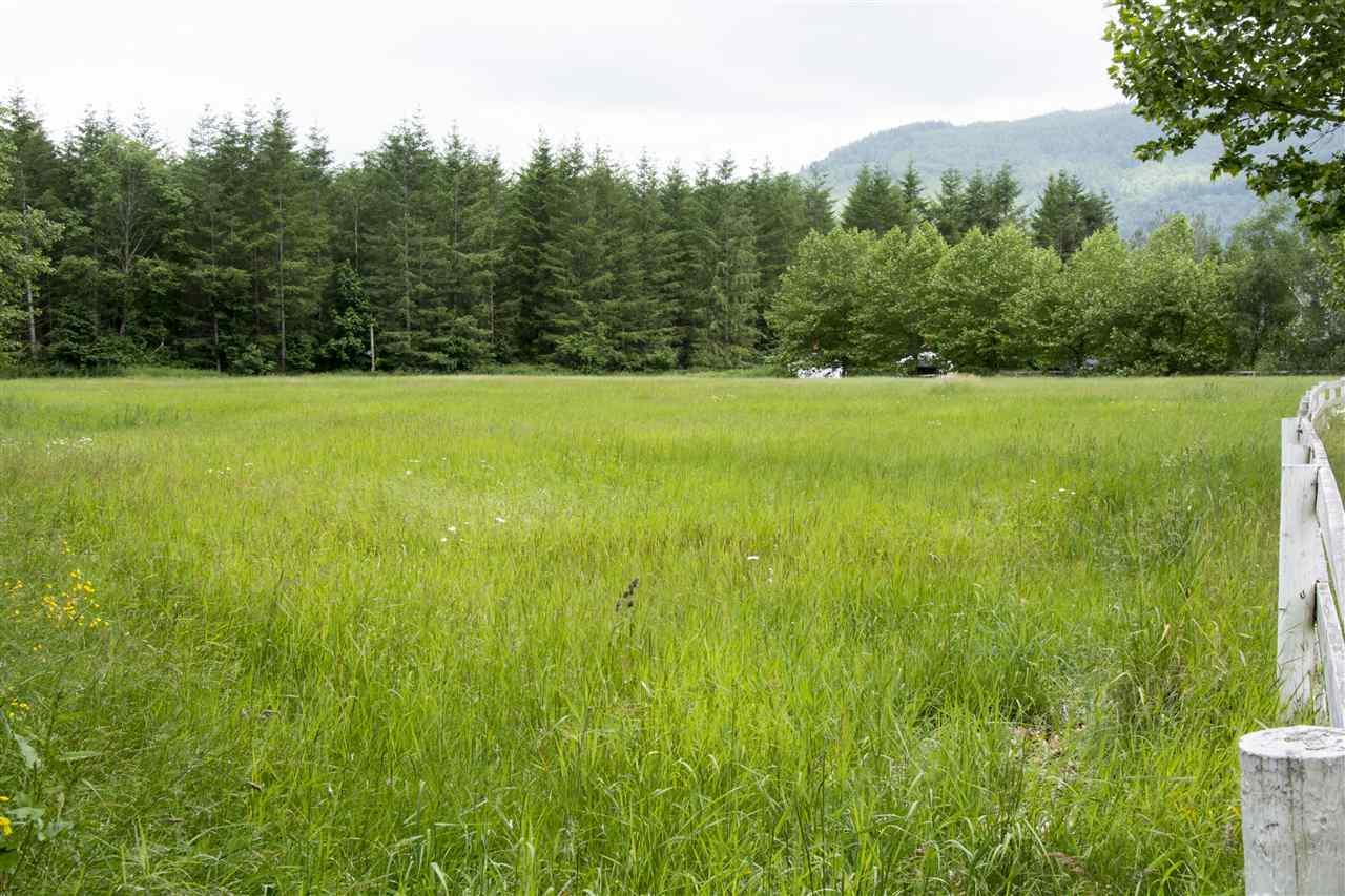 Detached at 280 KOSIKAR ROAD, Cultus Lake, British Columbia. Image 3