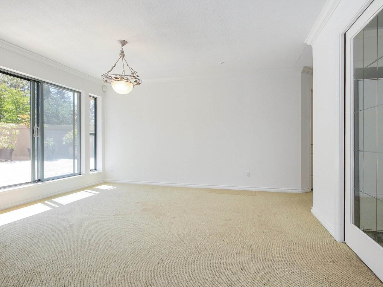Condo Apartment at 304 3288 CAPILANO CRESCENT, Unit 304, North Vancouver, British Columbia. Image 6