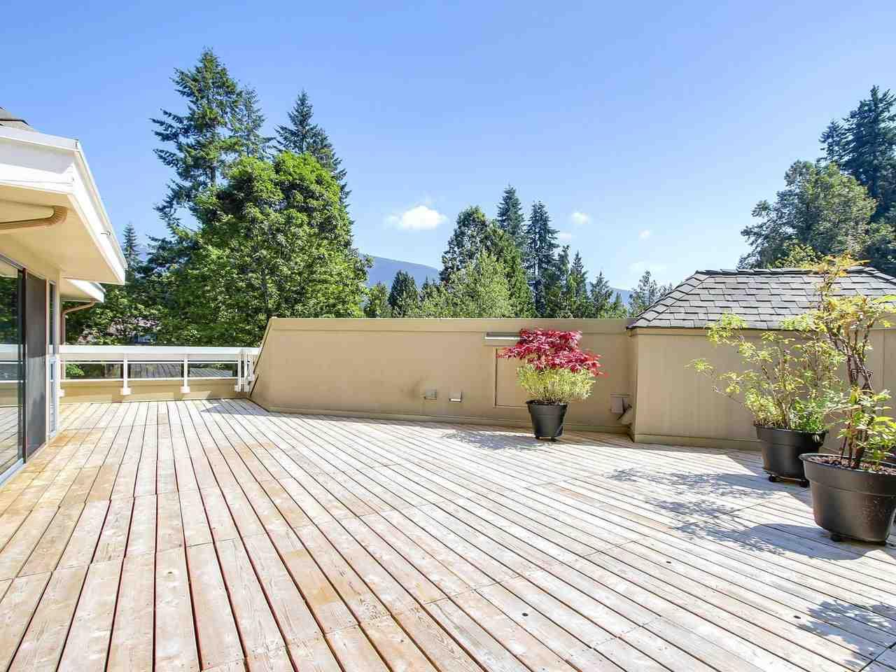Condo Apartment at 304 3288 CAPILANO CRESCENT, Unit 304, North Vancouver, British Columbia. Image 8