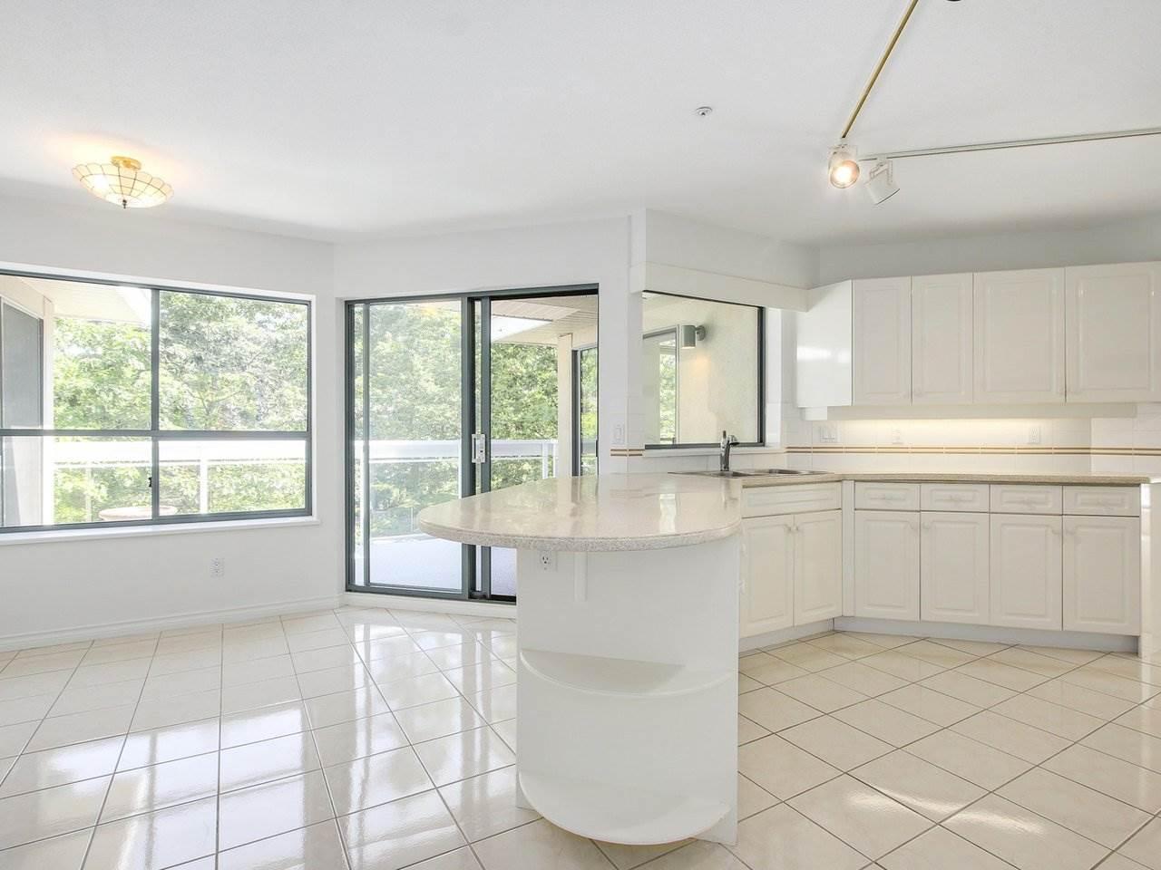 Condo Apartment at 304 3288 CAPILANO CRESCENT, Unit 304, North Vancouver, British Columbia. Image 9