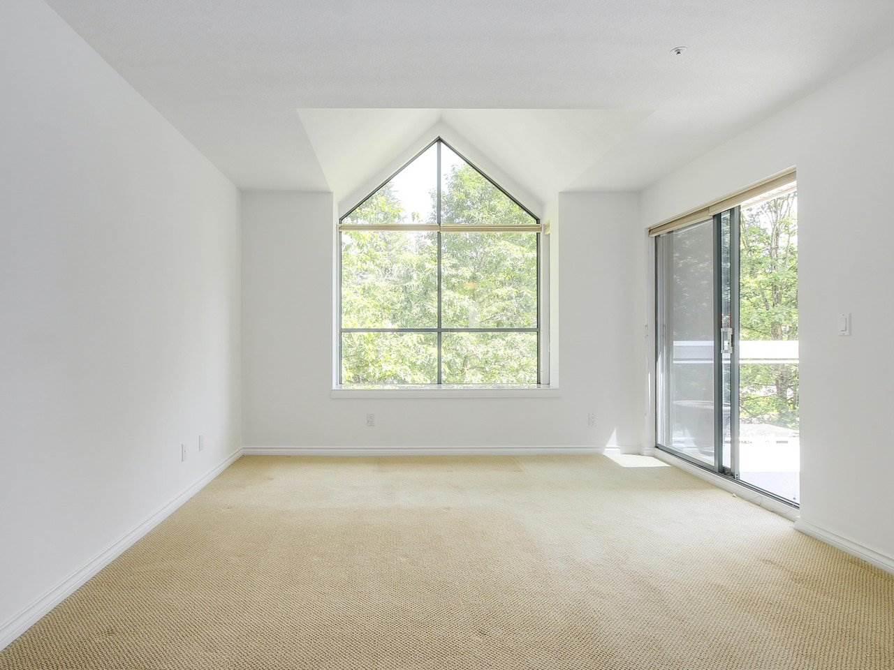 Condo Apartment at 304 3288 CAPILANO CRESCENT, Unit 304, North Vancouver, British Columbia. Image 14